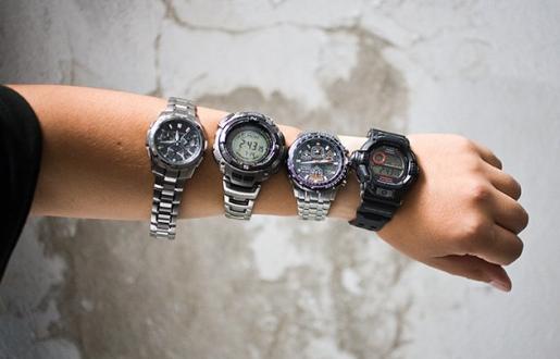 На якій руці носять часи
