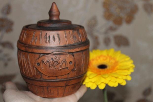 Як зберігати мед в глиняній тарі