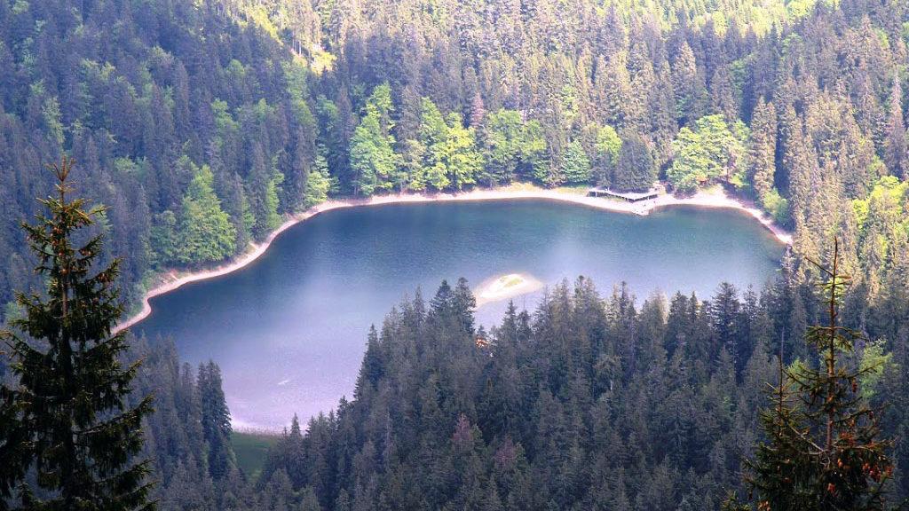 Загадки про озеро на українській мові